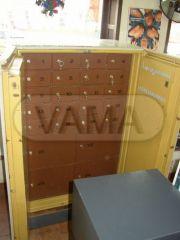 Archivační trezor s uzamykatelnými schránkami