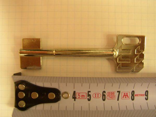 Trezorový klíč RT101